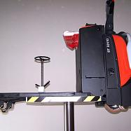 Zvedák s elektrickým paletovým vozíkem